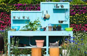 Ogrodowa kuchnia w kolorzejaskrawym