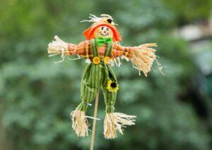 Własnoręczne zabawki - Ludzik z siana